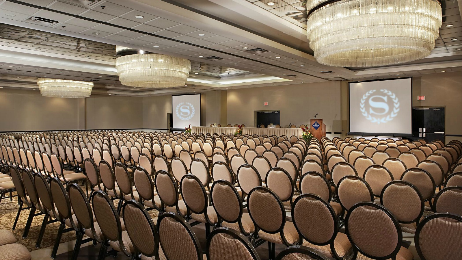Simplify Your Meetings | Sheraton Vancouver Guildford Hotel
